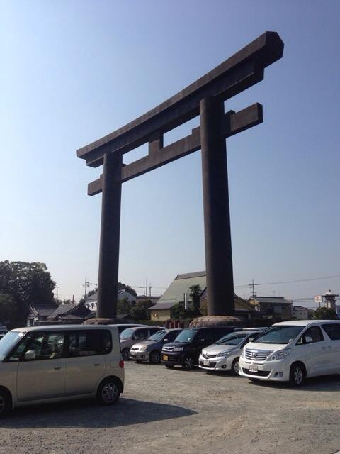 毎月恒例の大神神社にお参りに行きました^_^